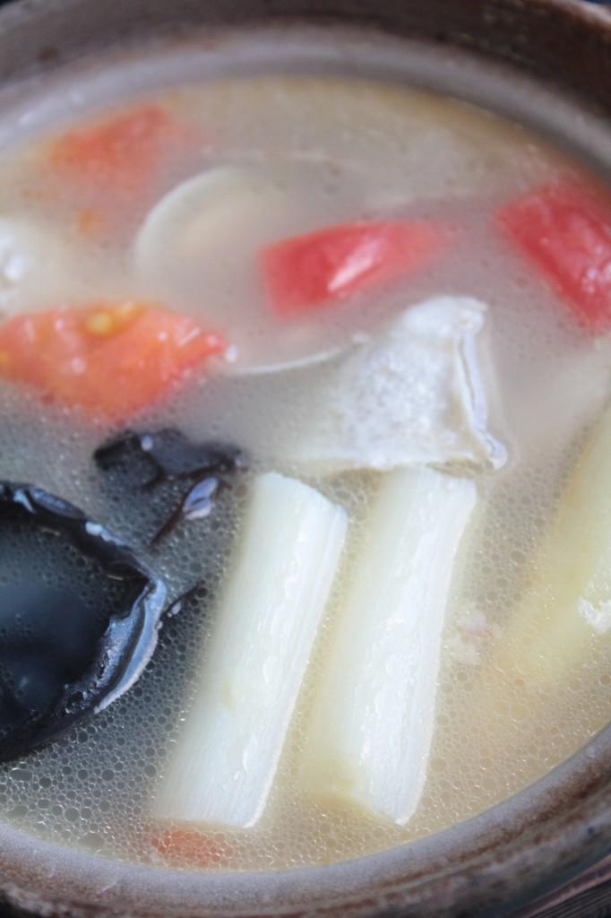 スープ鍋斜め上a